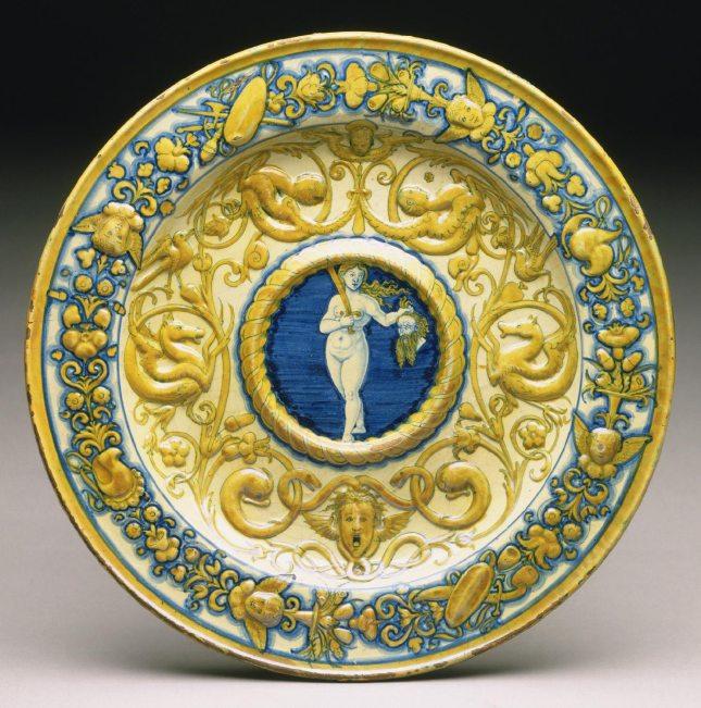 Judith (1530-40) Ewer Basin, Deruta, Italy