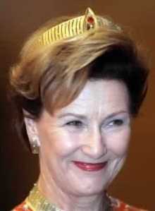 Modern Yellow Gold Parure Tiara (1997) for Queen Sonja 10